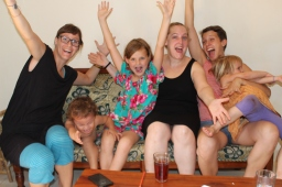 Afra, Chris, Livia und Johanna, Schweiz